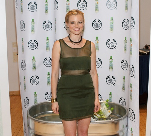 The Body Shop Three-Minute Shower Challenge With Eco-Activists Amy Smart And Tika Sumpter