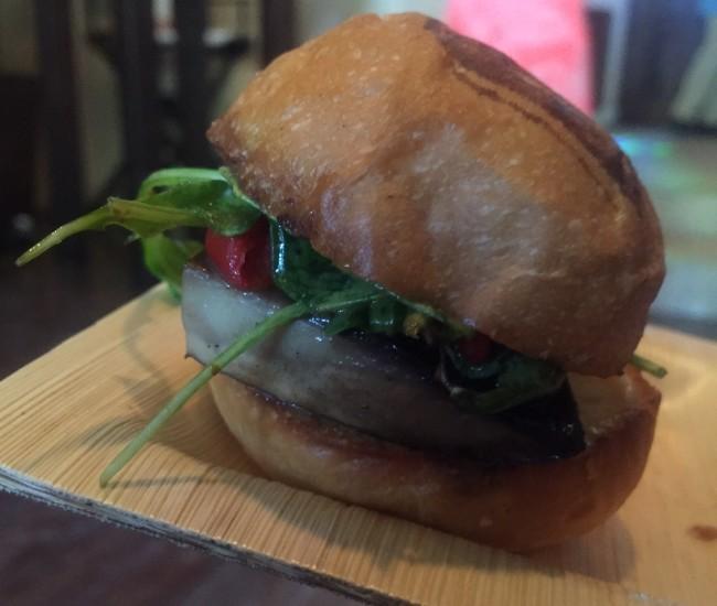 NylonBrunch16_burger