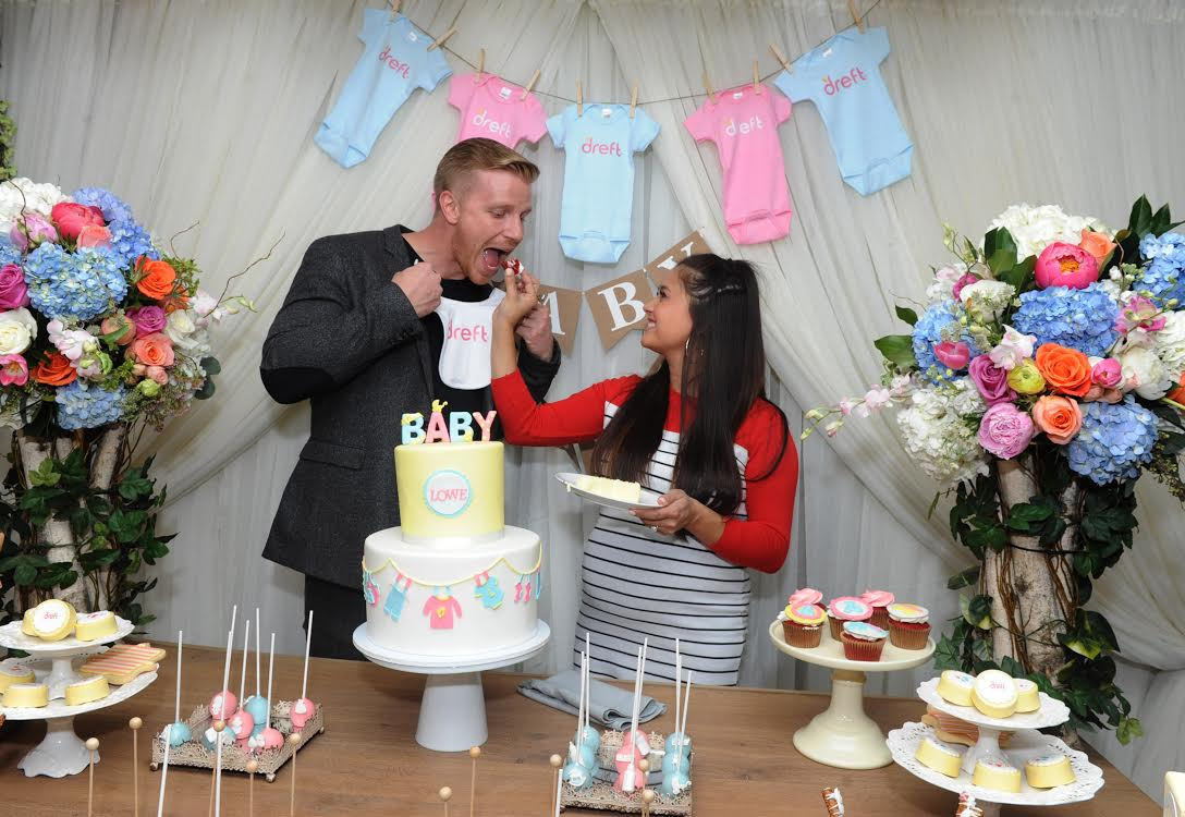 """Reality TV couple Sean and Catherine Lowe celebrate their pregnancy at the Dreft """"Loads of Love"""" baby shower, Wednesday, April 27, 2016, in New York.  Visit Dreft.com and the brand's social channels for more information about the couple's parenting journey.  (Diane Bondareff/Invision for Dreft/AP Images)"""