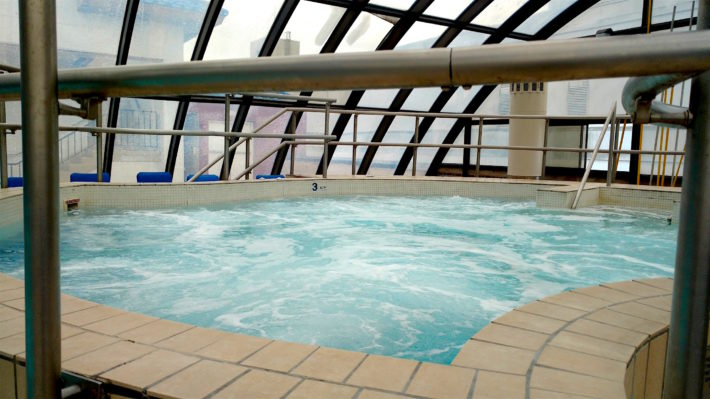 resorts_jacuzzi