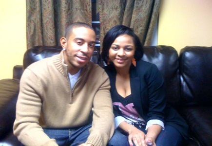 Ludacris Christmas.Divagals Hot Pic Ludacris Delivers Christmas Divagalsdaily